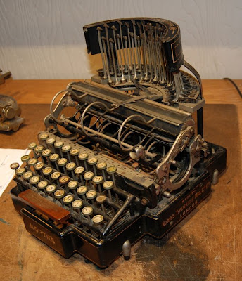 vintage typewriters 42 World's Oldest Typewriter Collection