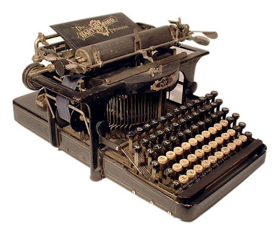 vintage typewriters 35 World's Oldest Typewriter Collection