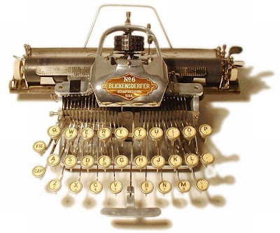 vintage typewriters 14 World's Oldest Typewriter Collection