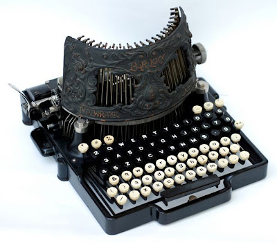 vintage typewriters 13 World's Oldest Typewriter Collection