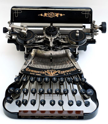 vintage typewriters 04 World's Oldest Typewriter Collection