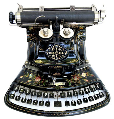 vintage typewriters 01 World's Oldest Typewriter Collection