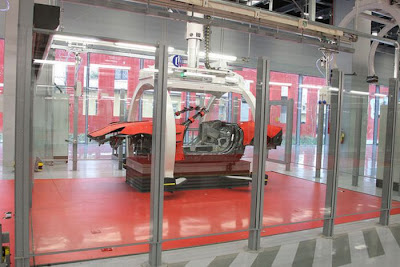 inside ferrari plant 18 Proses Pembuatan Sebuah Mobil Ferrari