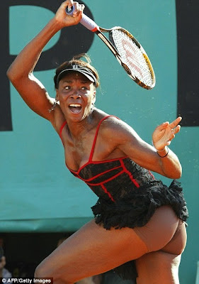 Venus Williams dressing in Roland Garros 2010 www.coolpicturegallery.net