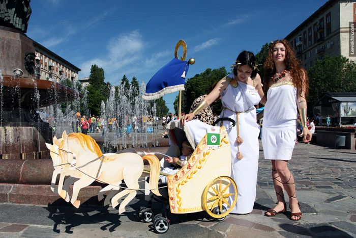 55 unusual baby carriages strollers Unusual-baby-carriages-45