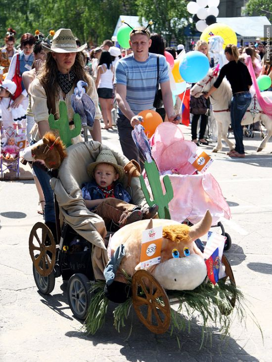 55 unusual baby carriages strollers Unusual-baby-carriages-40