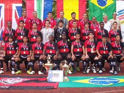 Foto: Equipe sub-19 (juniores) do Esporte Clube Vitória