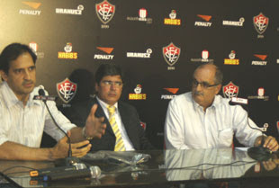 Ricardo Azevedo, Carlos Falcão e Alexi Portela