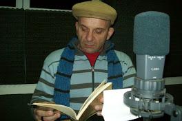 El Poeta leyendo