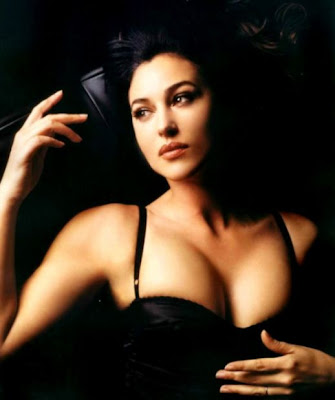 bellucci monica matrix. actress Monica Bellucci.