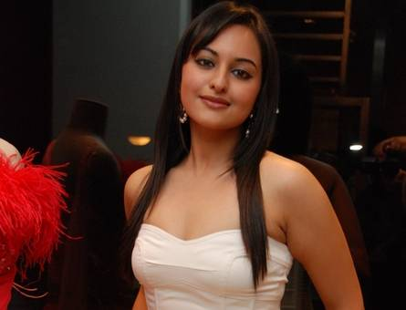 sonakshi sinha hot top