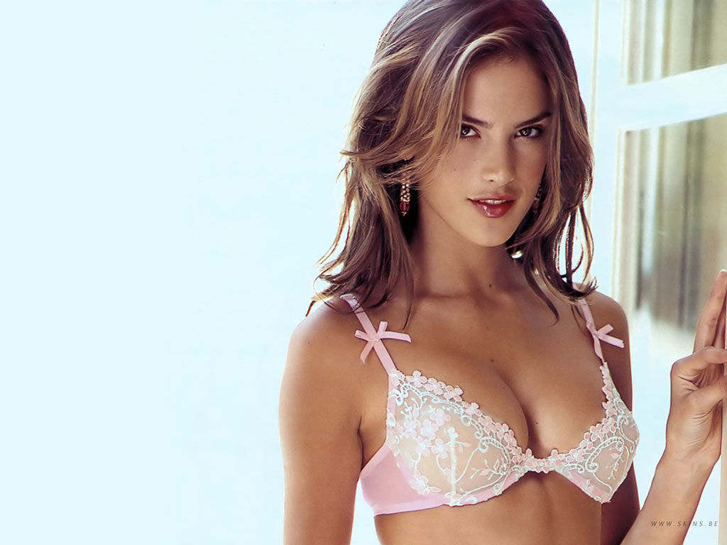 Blogthis Share To Twitter Share To Facebook Labels Alessandra Ambrosio