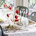 Create a beautiful summer table setting
