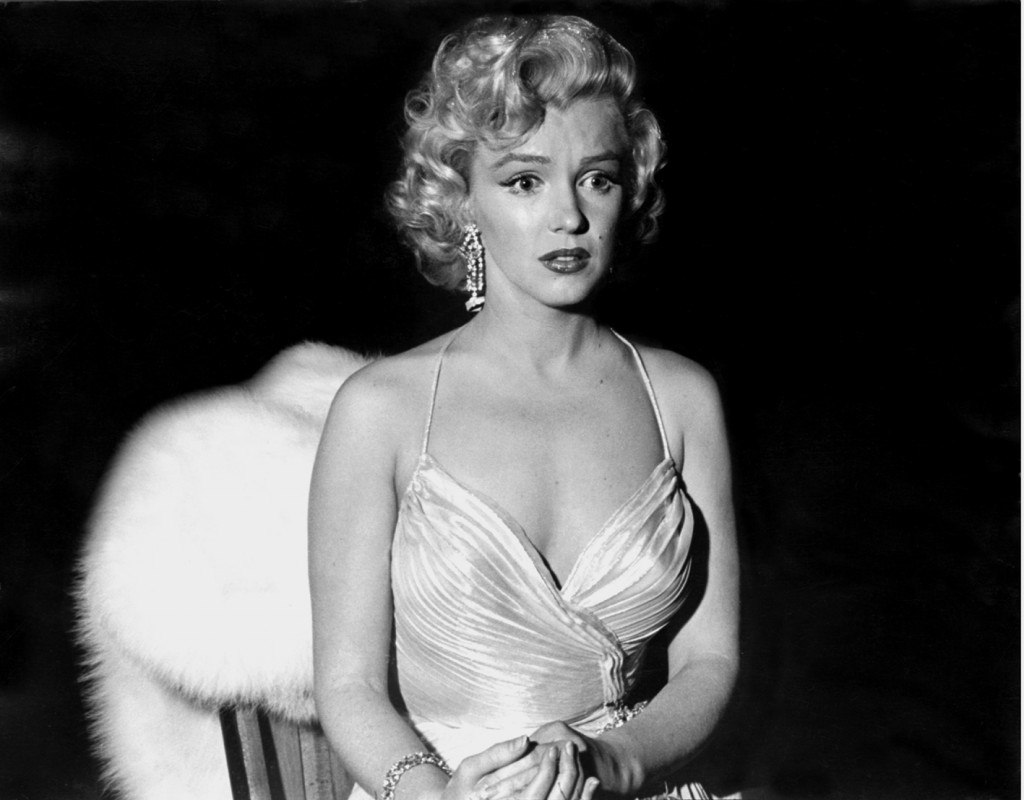 http://1.bp.blogspot.com/_LN1C4O6wBzQ/TMk6SSAccQI/AAAAAAAABuc/w2-pqUYi33o/s1600/Marilyn+Monroe+-+Los+Angeles+1953.jpg