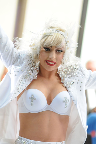Lady Gaga Hairstyles photos