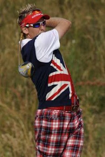 Ian Poulter of England watches his tee shot on the 12th hole during the first round of the British Open Golf Championship at the Turnberry Golf Club in Scotland, July 16, 2009.<br />REUTERS/Russell Cheyne (BRITAIN SPORT GOLF)