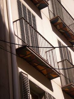 Detalle balcón moderno de Calatayud