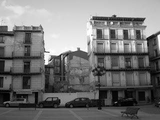 Detalle del solar de Plaza de España, o del Mercado, de Calatayud. Casas desaparecidas