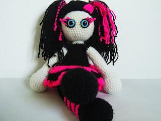 amigurumi crochet doll girl toy present gift gothic black pink kookoo