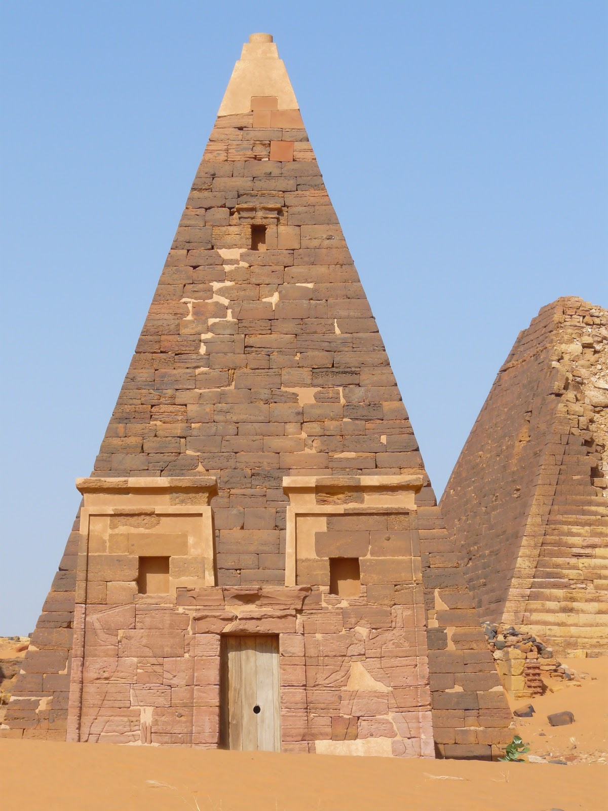 Egyptian Pyramid Architecture 24 best mass grave tomb stone images on pinterest   ancient egypt