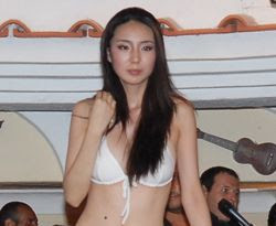 Miss Capri Hollywood 2008, la cinese Ying Yang