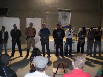 Repórter Régis Santos participa de reunião com a comunidade do Jd.Cristal