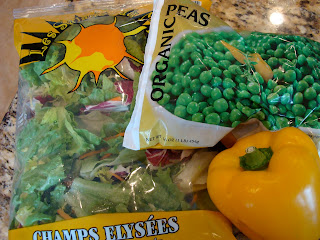 Lettuce mix, peas and yellow pepper