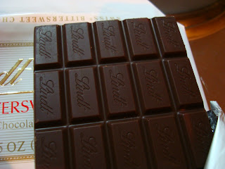 Squares of the Lindt chocolate bar
