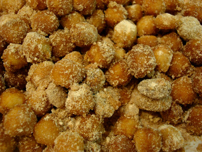 Close up of tossed chickpeas