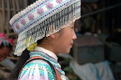 Cô gái Mông