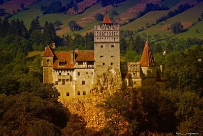 Castelul Bran-DraculasCastle-BranCastel-SchlossBran-CastillodeBran