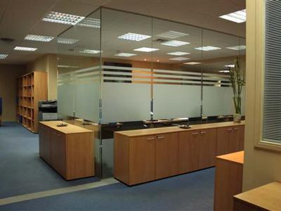 Oficinas madrid noviembre 2010 for Distribucion de oficinas pequenas
