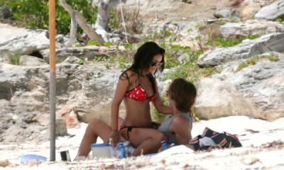 Zac Efron y Vanessa Hudgens en el Caribe