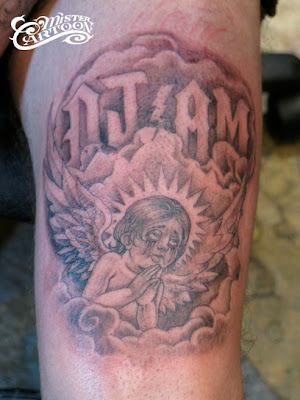 Nuovo tatuaggio di Travis dedicato a DJ AM