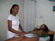 tratamento com aparelho de massagem infra-vermelho