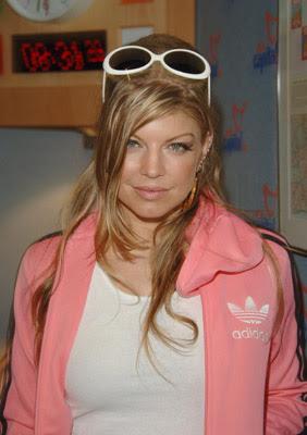 http://1.bp.blogspot.com/_LXqBXJEfW0A/SIl0LVycxlI/AAAAAAAAHhU/yImywN4JVIU/s400/Fergie-.jpg