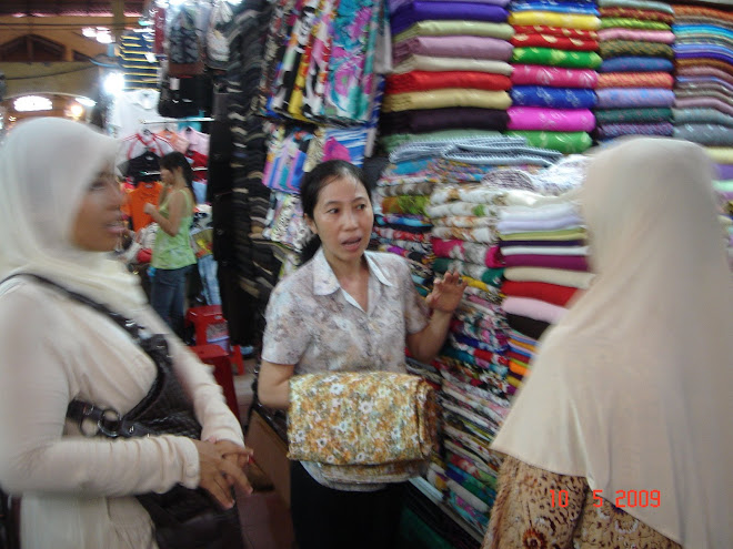 Shopping di Ben Than Market,HCM City,Vietnam