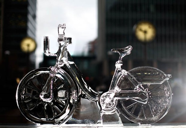 Cristiano Poga en el London ice sculpture festival