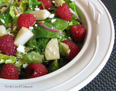 Mixed Greens with Raspberries and Pears