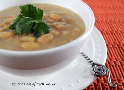 Tuscan White Bean and Roasted Garlic Soup