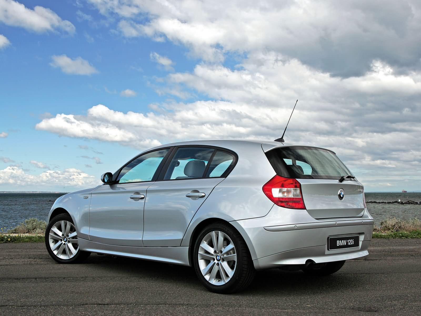 Bmw 1 series related images start 0 weili automotive network for 1 door bmw