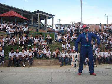 """EL JUGLAR: """"ANTON PIRULERO"""" EN I.E LAS COLINAS"""