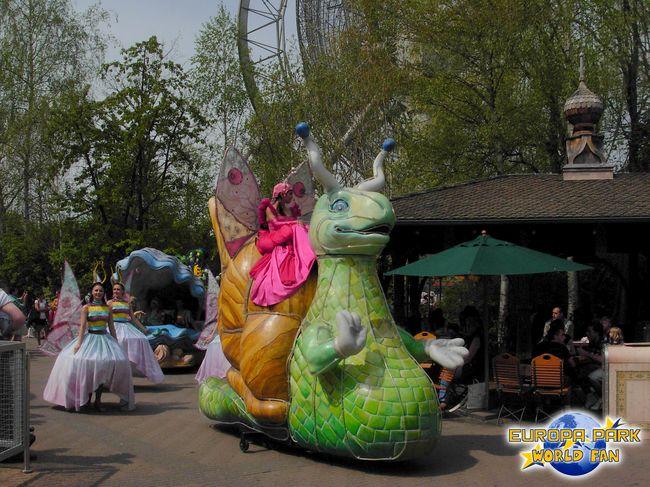 http://1.bp.blogspot.com/_Lb-ZT3V-TjQ/S9bcTM1AR1I/AAAAAAAABKM/1I7Wm8WoCt8/s1600/Parade14.jpg