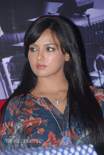 http://1.bp.blogspot.com/_Lb7wWaGboOw/TS22GVn-GJI/AAAAAAAABOQ/ivNewu1CRws/s320/sana_khan_latest_hot_photo_gallery_11.JPG