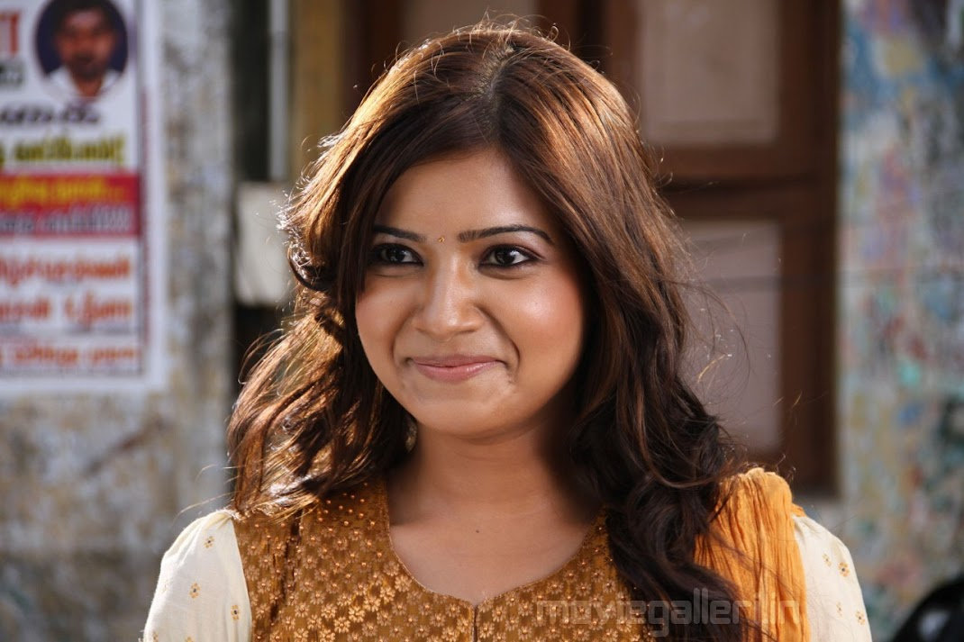 Samantha Face Close Up Wallpapers