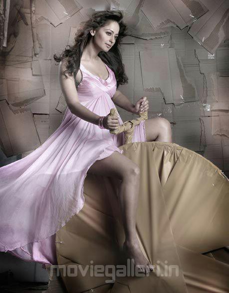 Actress Kaveri Jha Hot Photo Shoot Pictures unseen pics