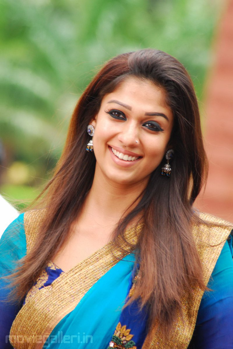 Test Nayanthara Cute Saree Stills In Super Movie