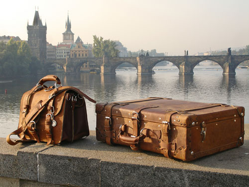 Vintage Leather Luggage | Content in a Cottage