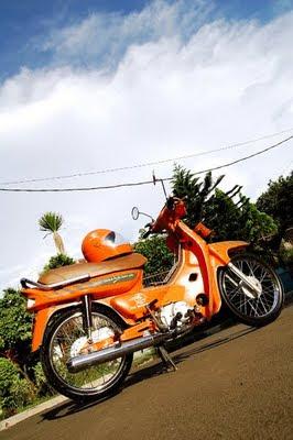 Honda Legenda Orange post OFFICER