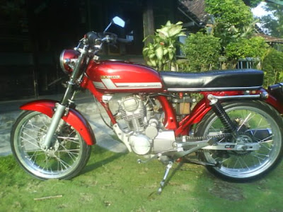 Modified Honda CB 100 - Machinery Tiger 2006 - Foto Gambar Modifikasi
